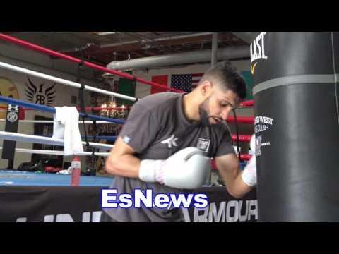 Amir Khan Blasting The Heavy Bag Ready For ANY 147 Champ EsNews Boxing