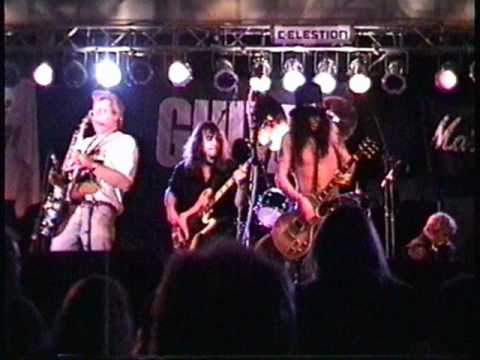 Slash, 1997,Playing Led Zeppelin – Rare !! Excellent footage.