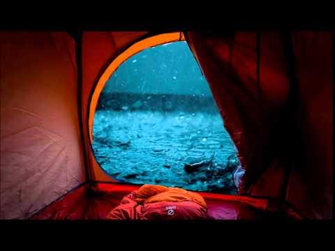 Lluvia cayendo sobre tienda de acampar Sonidos relajantes para dormir durante una hora