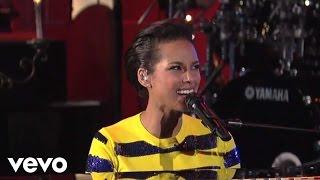 Video Alicia Keys - New Day (Live on Letterman) download MP3, 3GP, MP4, WEBM, AVI, FLV Juli 2018