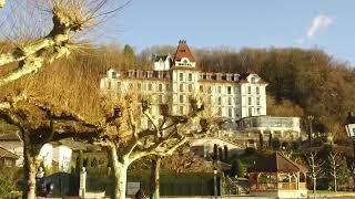 LA PLACE DU VILLAGE: Depuis Menthon-Saint-Bernard (Haute Savoie-France)