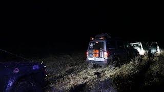 Встряли на ровном месте два Nissan Patrol два УАЗа по следам МАНЬЯК-ТРОФИ ночной OFF ROAD 4x4