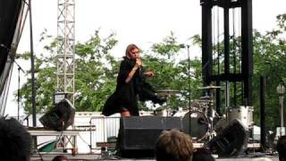 Lykke Li - Complaint Department - Lollapalooza 2009