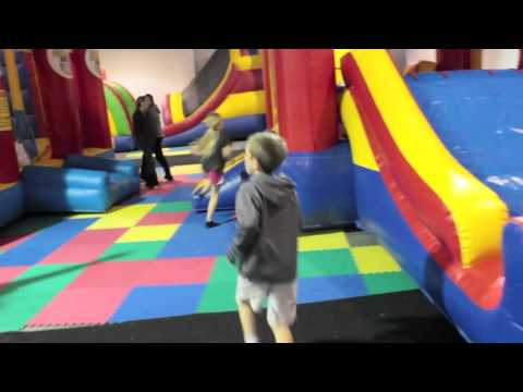Jumpy Jump Land Wichitas Inflatable Birthday Party Headquarters Tour Https Www Jumpyjump