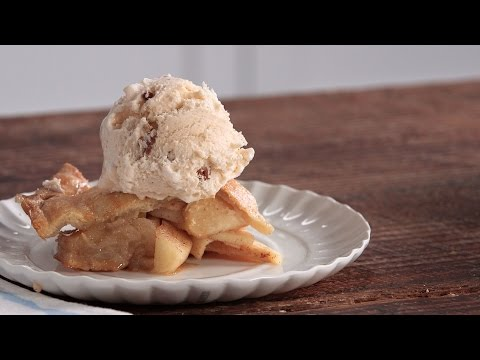 Easy Skillet Apple Pie | Southern Living