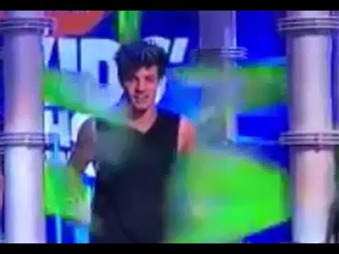 Cameron Dallas getting Slimed at the KCAs