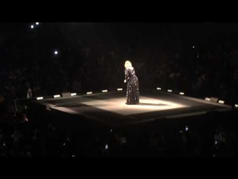 Adele - Hello (Washington, DC)