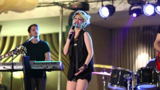 Download Iulia Dumitrache & Band - Coveruri internationale