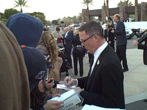 Matthew Lillard of Summer Catch signing autographs