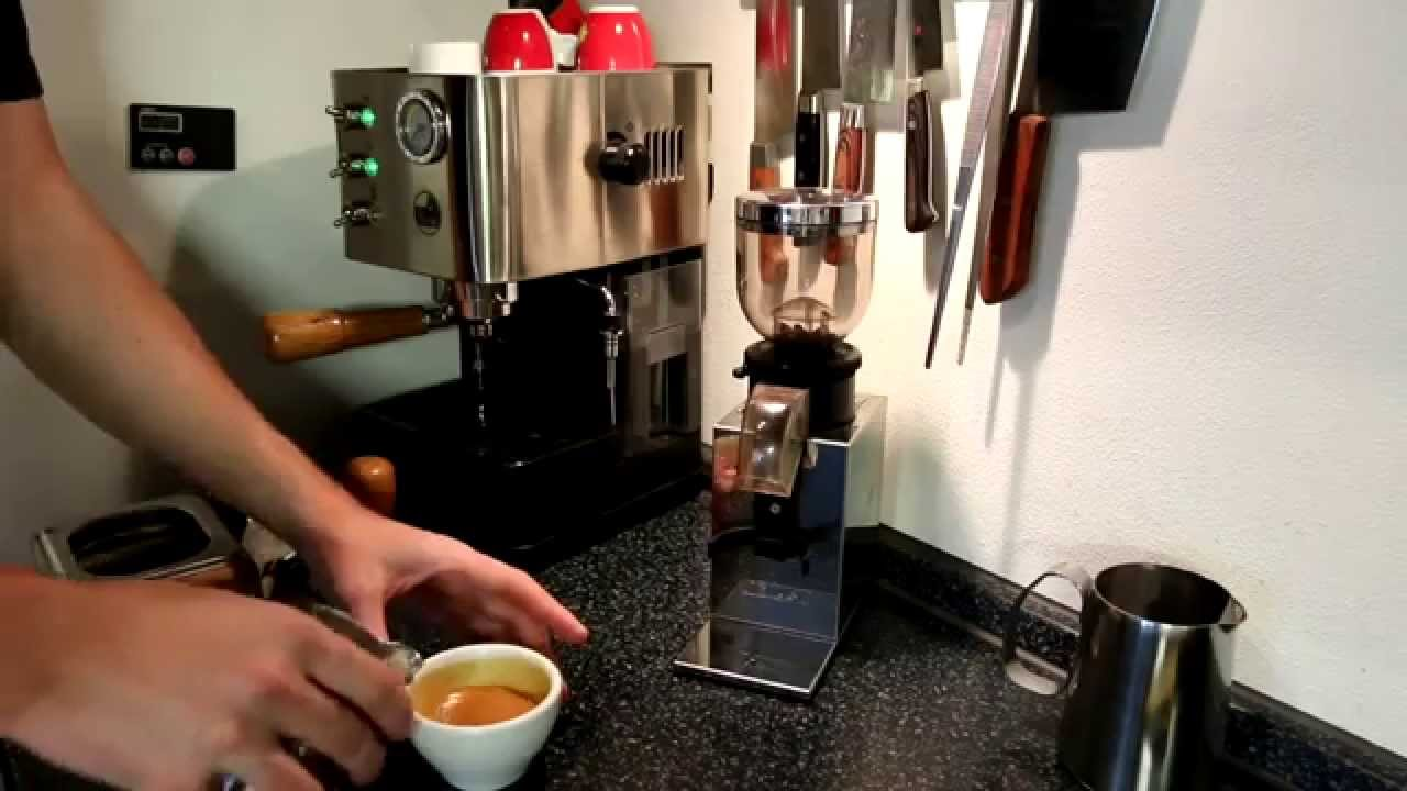 la pavoni puccino pcl flat white youtube. Black Bedroom Furniture Sets. Home Design Ideas