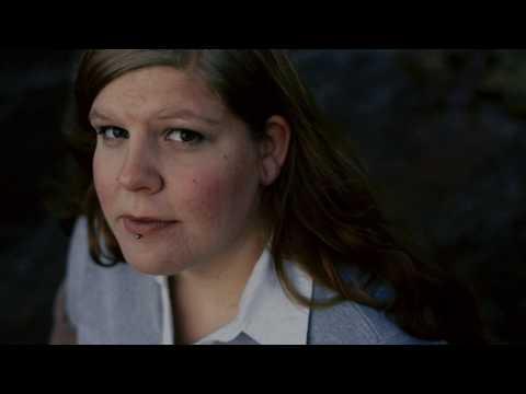 Maailman ihanin tyttö - Valokuva soi: Elämän etsimä
