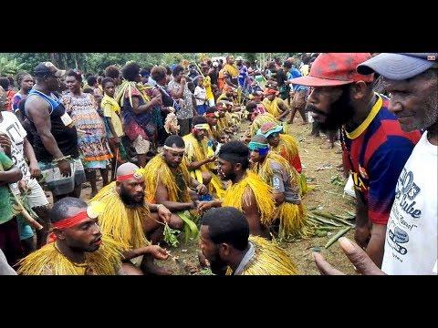 Masegi (West New Britain, Papua New Guinea Traditional Dance)