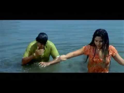 Gosht Lagna Nantarchi - Radha Slaps Her Life Savior - Sonali Kulkarni - Marathi Comedy Scenes