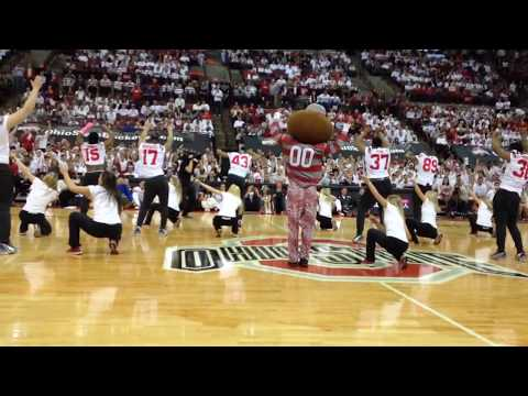 Ohio State football team joins dance team at halftime of Wisconsin basketball game