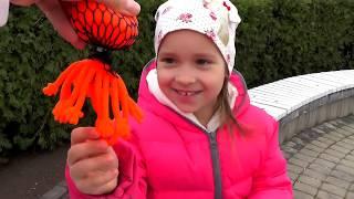 Обыграли Аппарат с ИГРУШКАМИ Видео для детей Фиксики Paw Patrol Toys Minions Kids Fun Video for kids