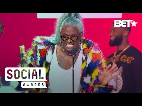 Blame It On Kway Stunts On Us In Colorful Cardi B-Inspired Coat During His LMAO! Award Speech