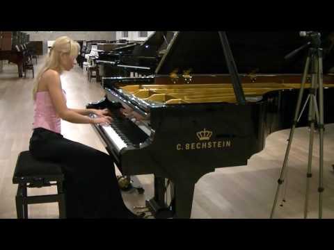 R.Schumann Fantasiestücke Op. 12 Ende vom Lied, plays Anna Lipiak