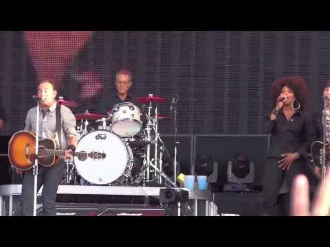 Bruce Springsteen - 2013-07-20 Belfast - This Little Light Of Mine (show start)