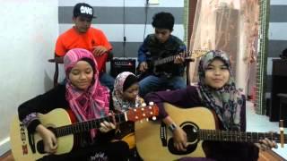 Download Hari Raya- Najwa,imNEETA,Deanna,Mimi Mp3