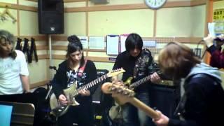 20130407 スタジオ練習 SINKが助っ人に入ってくれてスペサンの練習♪ 銀...