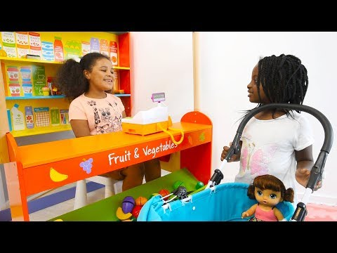 Isabel Pretend Play Shopping at Village Shop with Baby Alive! Play Food and Restaurant