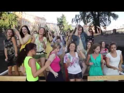 Pharrell Williams - We are HAPPY from... Saint Petersburg! RUSSIA