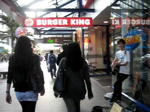 Strolling along Queen Street, Auckland City