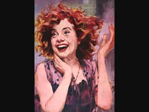 Elsa Lanchester sings