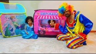 المهرج جاب هدية خيمة فروزن وايسكريم | العاب بنات