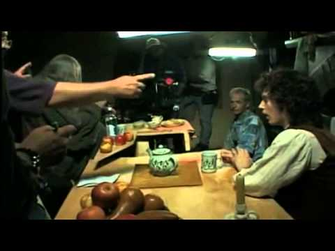 How Lord of the Rings used forced perspective shots with a moving camera  VIDEO]