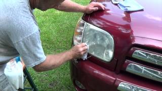 Easily restore headlight with baking soda and vinegar