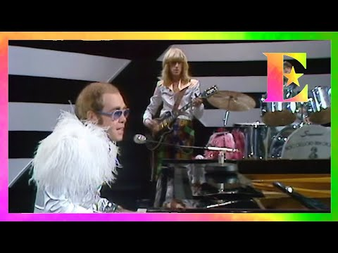 Mark - Elton John's long lost 1973 performance of Step Into Christmas found!