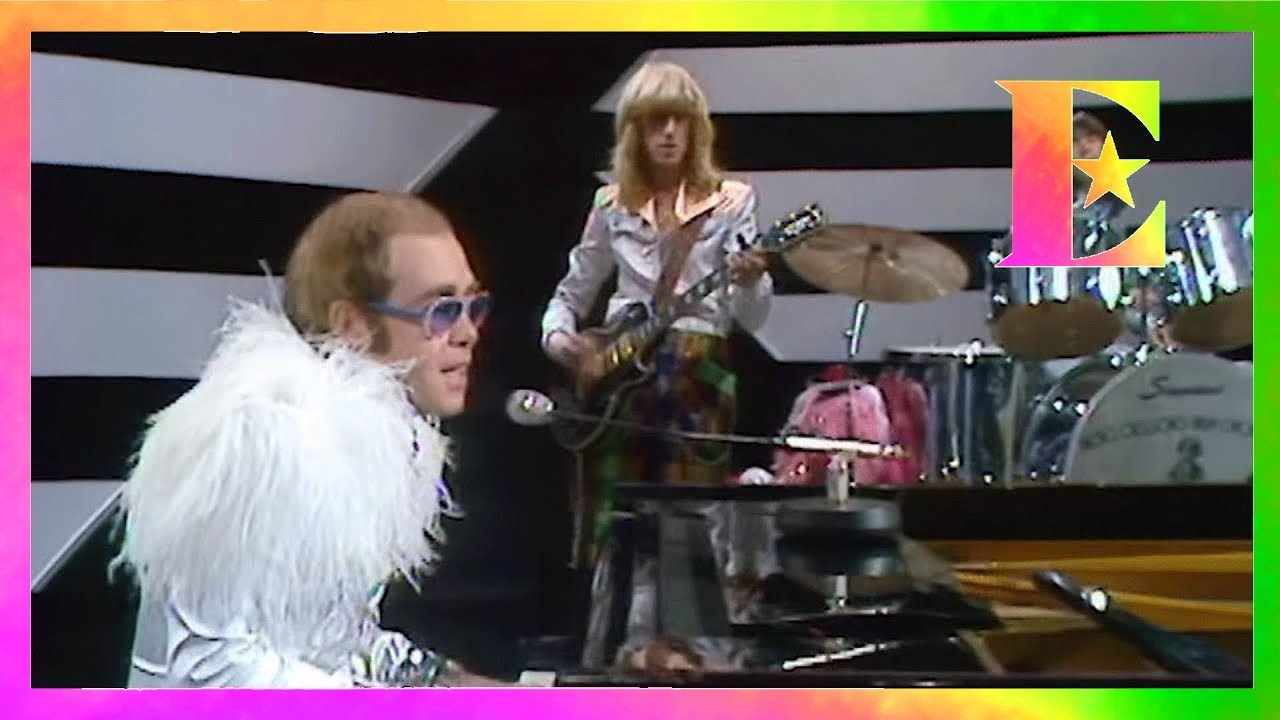 Elton John Christmas Song.Elton John Step Into Christmas Gilbert O Sullivan Show 1973