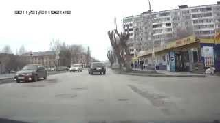 Пермь - тонированная десятка(Наглухо тонированная десятка проезжает на красный свет., 2013-03-13T19:22:21.000Z)