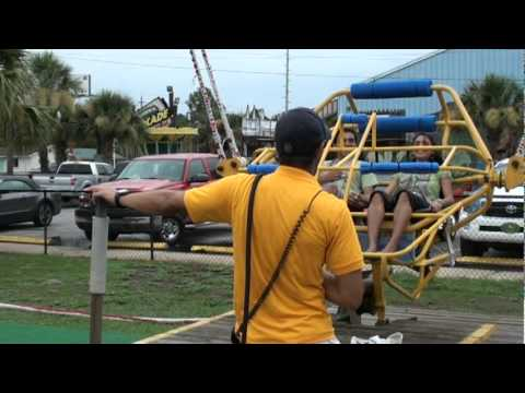 Jonathan - [VIDEO]: A Carnival Ride in Panama City Snapped With Passengers On It