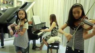 Kiss The Rain - 2 Violins & Piano - Note & Pin Sisters + Mom (โน้ต & พิณ)