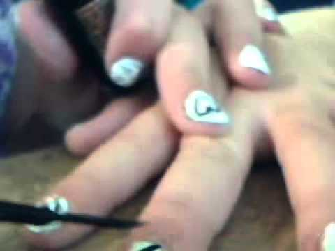 how to paint justin beber on you nails