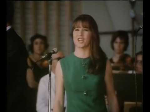 The Seekers - Georgy Girl (1967 Concert at the Sidney Myer Music Bowl)