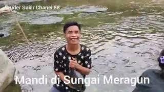 Keindahan alam di sungai Kalimantan barat.
