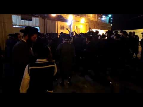 Singing & Dancing As Chareidim Arrested At Hafganah Released From Jail