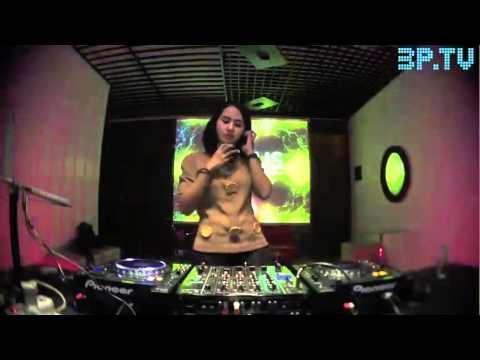 Deep House DJ set Mixed by Nadisa at 3PTV LAB
