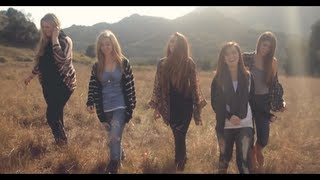 Смотреть клип Megan And Liz - A Girl'S Life