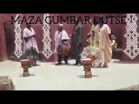 Maza Gumbar Dutse Adahama kidan Tauri
