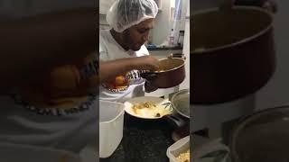 Mulher Humilha Caminhoneiro que passa fome nas Manifestaçao Greve Paralização