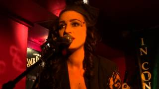LINDI ORTEGA Ashes -  Düsseldorf, Pitcher 14.02.2014