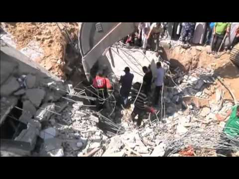 Channel 4 News - Violence continues in Gaza (9/8/14)