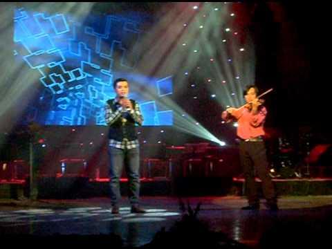 """Tác giả Tiến Minh hát """" Vệt nắng cuối trời """" & Con đường hạnh phúc"""