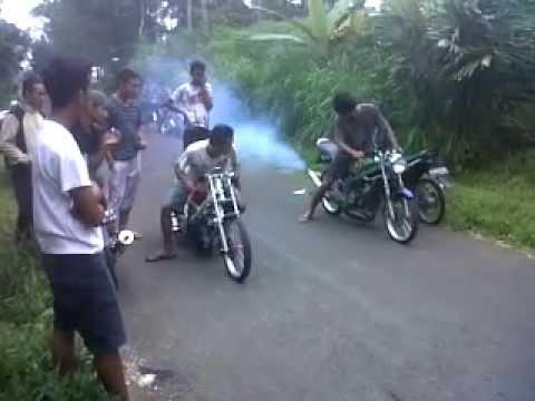 Nyeting Ninja Vs Satria Fu 200cc Alesha Racing Youtube