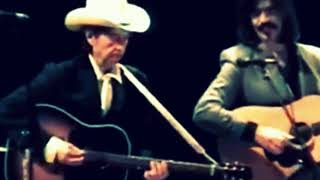 bob dylan with a fantastically beautiful version of that special song 2002