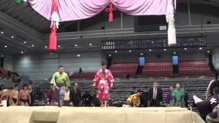 新弟子の初土俵となる前相撲。この大阪場所は入門者が多く、二つの班に...